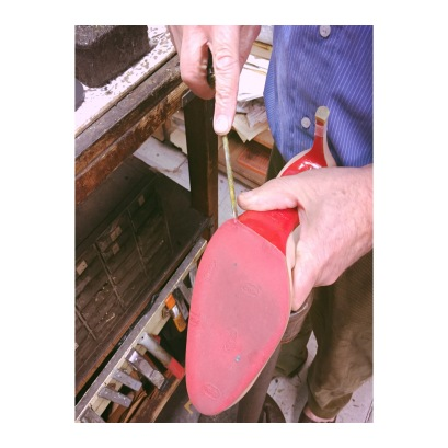 Remove the existing rubber sole